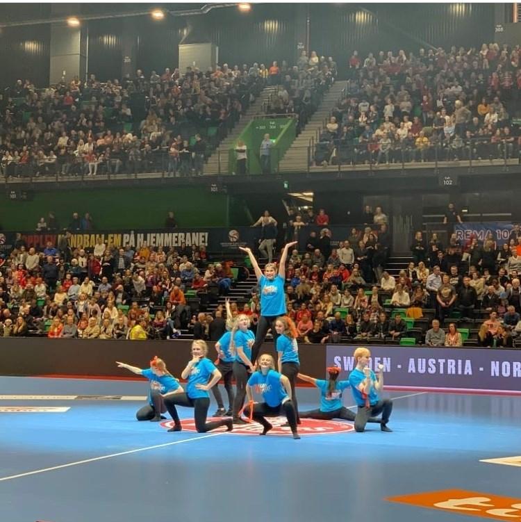 Dansere på ISAK under åpningen av Trondheim Spektrum